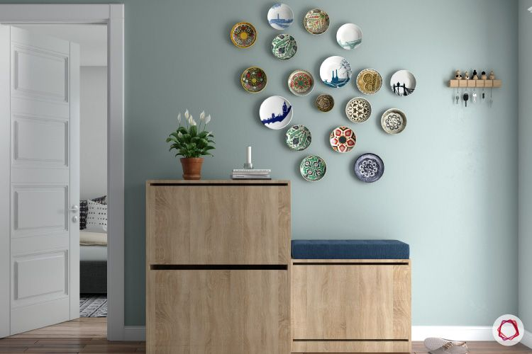Room decor for travel_travel curios_plates_foyer