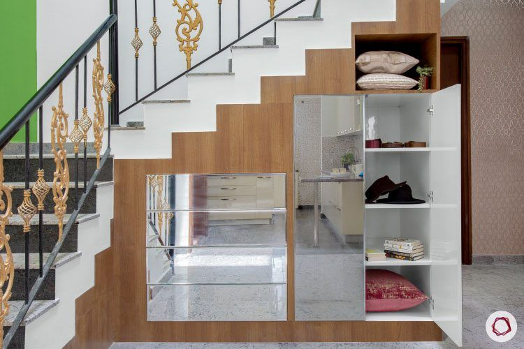 villas-in-bangalore-staircase-storage-mirror