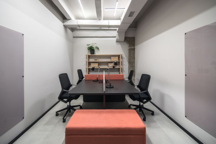 Pantone-2019_conference-room