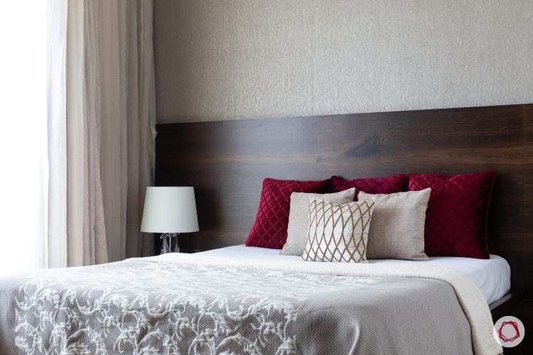 home-ideas-maroon-bed-lamp
