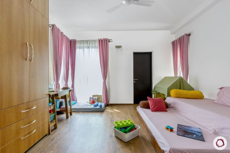 modern design_pull out beds for kids