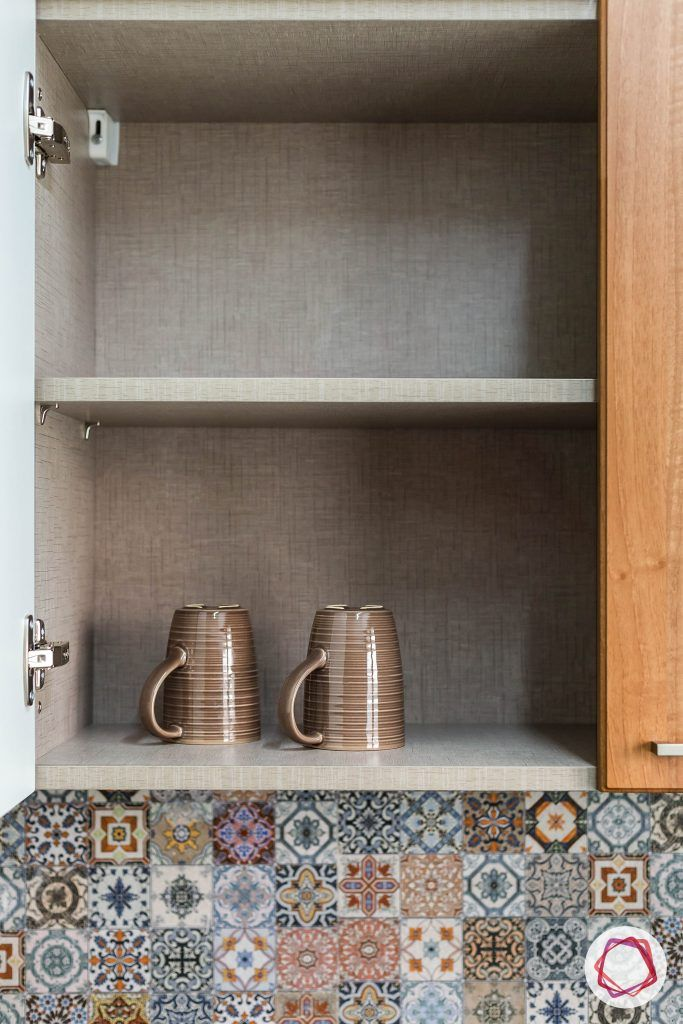 Small kitchen ideas_hinged cabinets