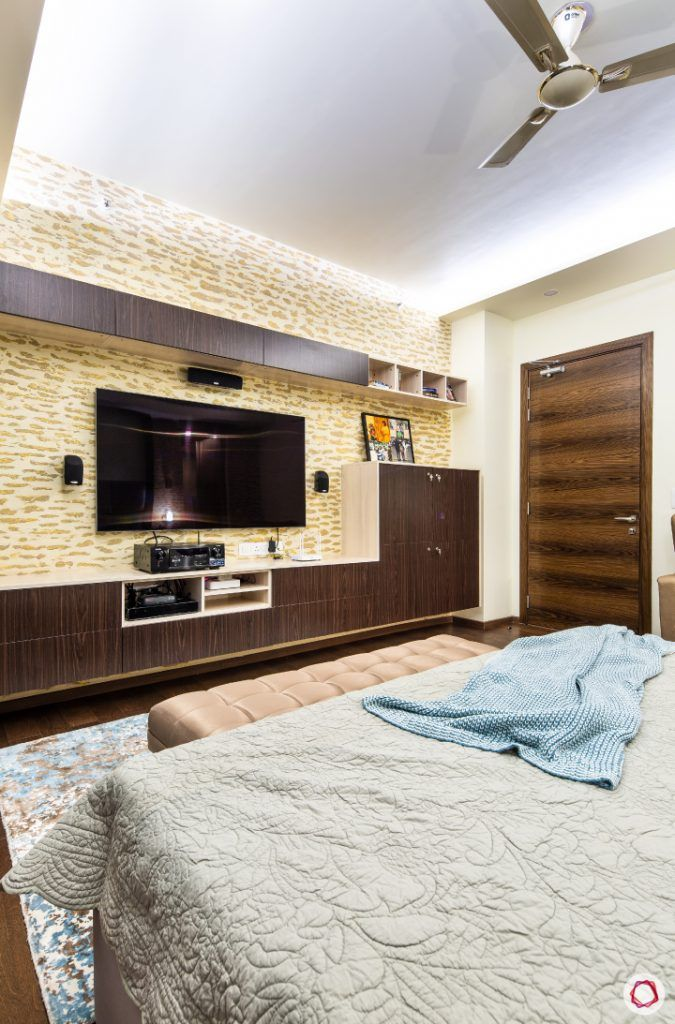 Beautiful home interiors_master bedroom tv unit