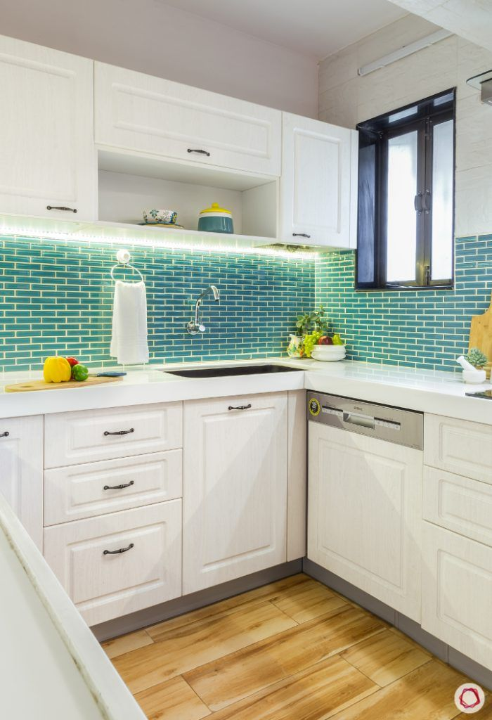 White kitchen designs_contrast backsplash 2