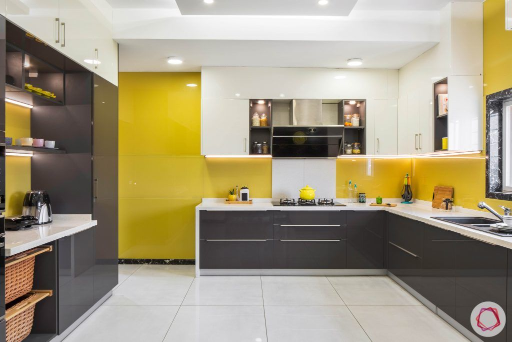 wall-tiles-design-lacquered-glass-backsplash-yellow-white-grey-cabinets