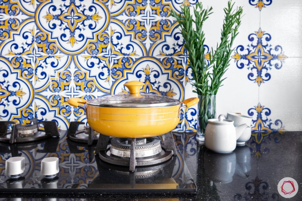 wall-tiles-design-floral-ceramic-backsplash-countertop-pot-stove