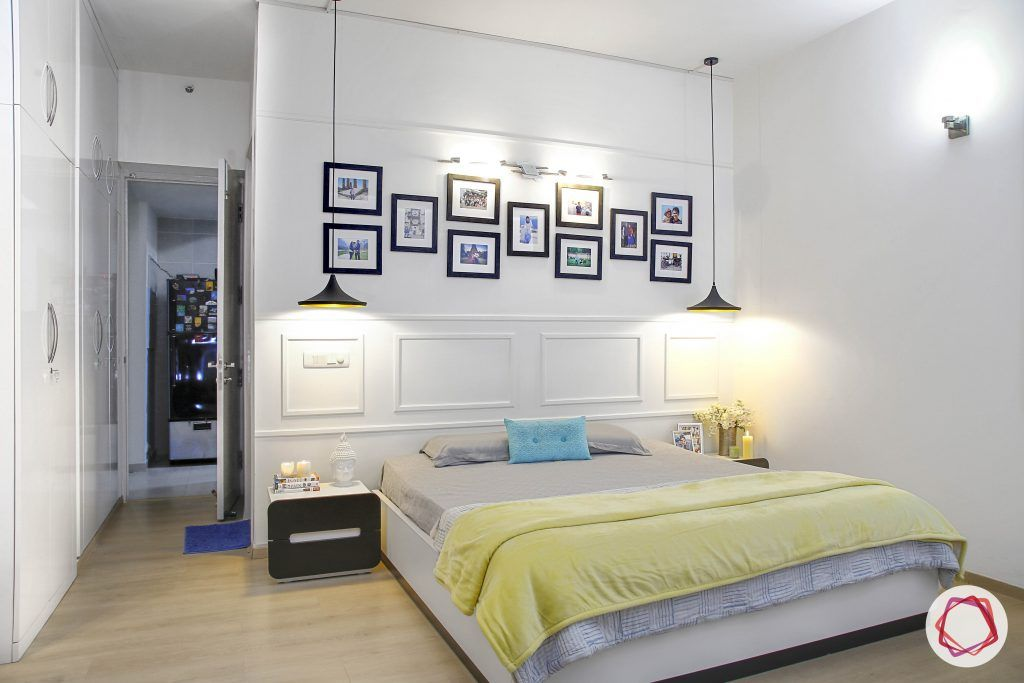 minimalism-white wall moulding-wooden floor designs-scandinavian decor-gallery wall designs