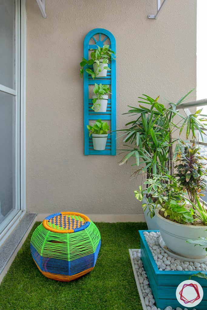 balcony seating ideas-pouf designs-balcony garden ideas