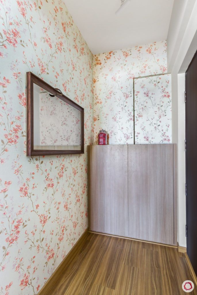 top-interior-designers-in-bangalore-foyer-floral-wallpaper-mirror-shoe-cabinet