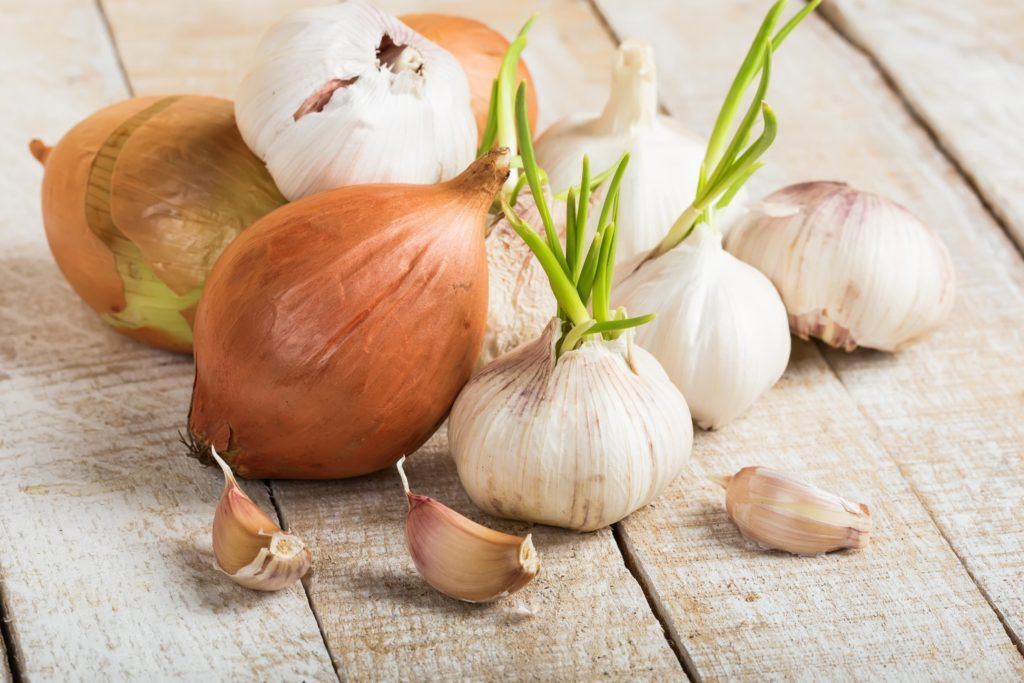 natural pesticides-garlic and onion