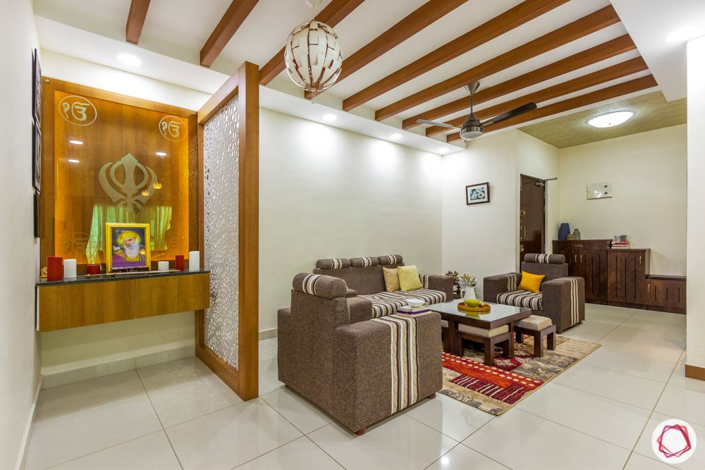 residential-interior-desingers-in-bangalore-living-and-pooja-etched-glass