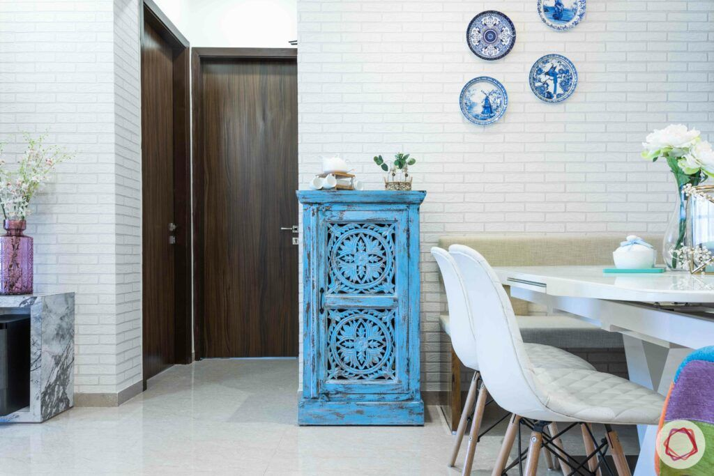 indian console designs-blue-distressed-table-decorative-plates
