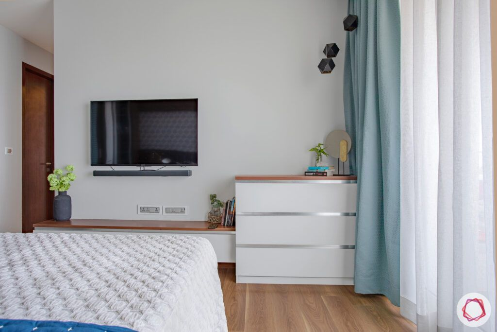 crescent-bay-parel-master-bedroom-TV-chest-of-drawers