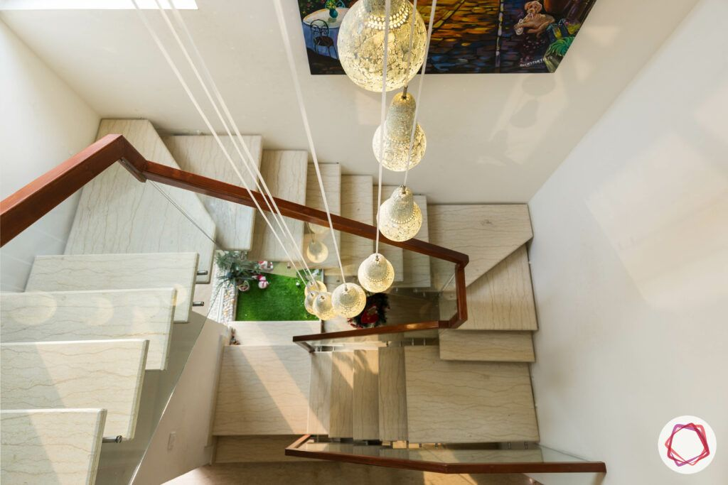 staircase vastu-pendant lighting-wall art-staircase
