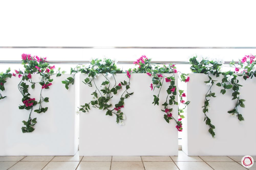balcony grill design-white wall colours-flowering vines for balcony