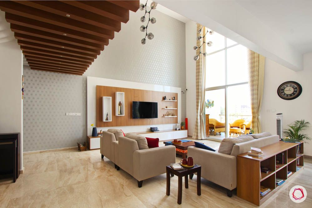 Ceiling design for hall-wooden rafters