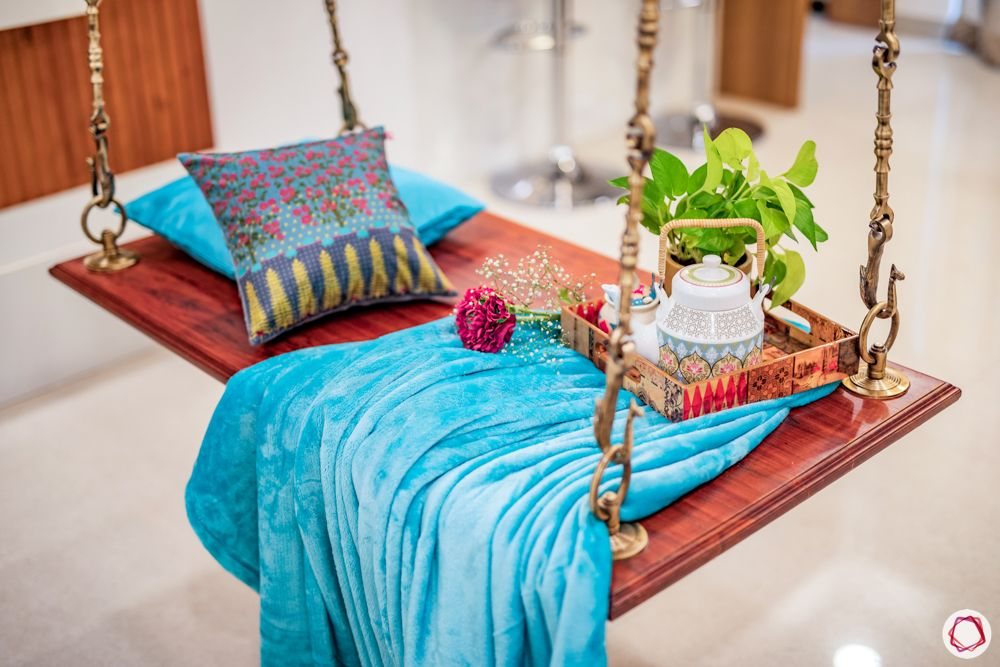 desi-decoration-wooden-furniture-wooden-swing