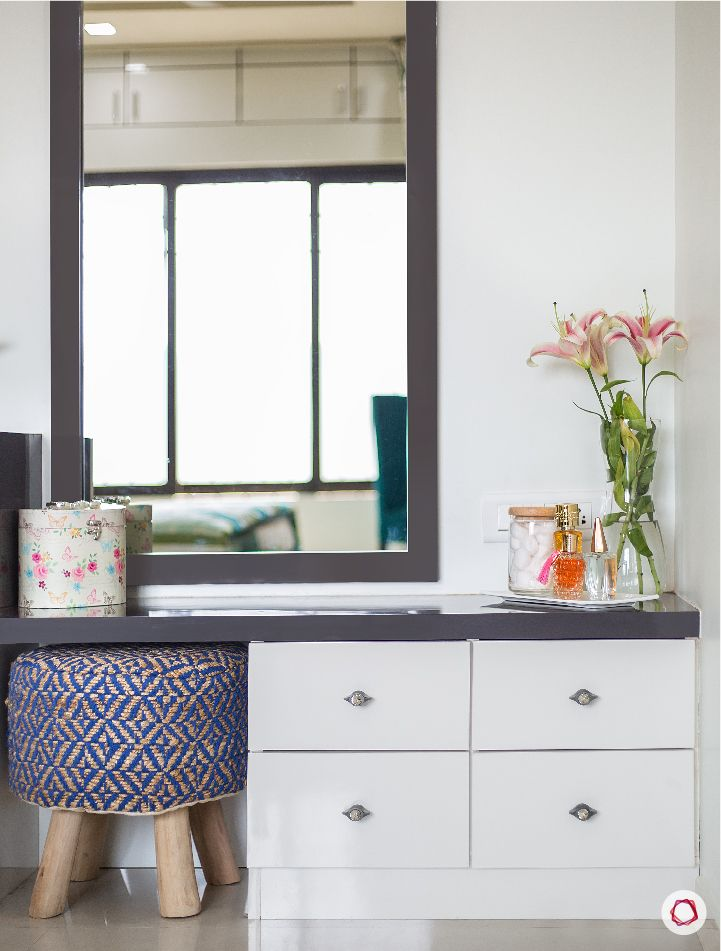vanity makeover-stool-seating