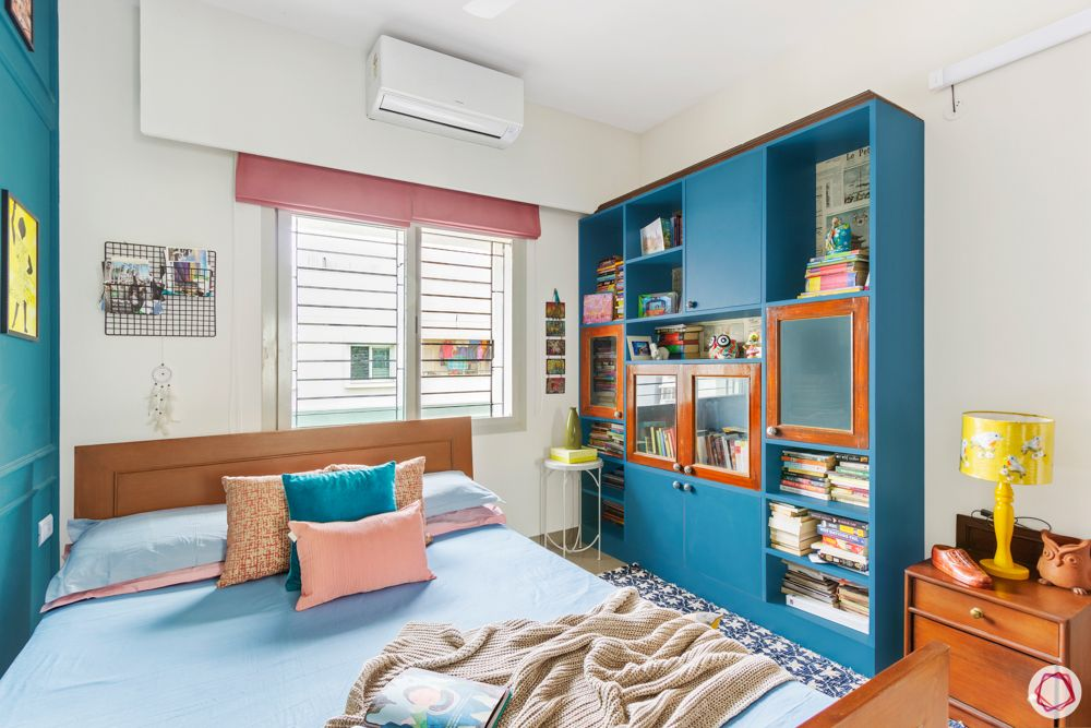 sobha-aspire-kids-rooms-blue-bookshelf-wooden-side-table