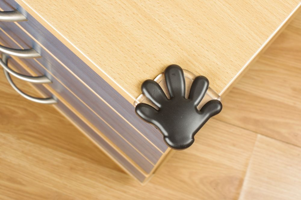 childproofing a room-no sharp corners