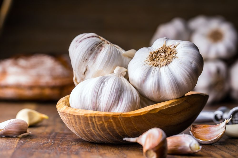 how-to-get-rid-of-spiders-garlic-cloves
