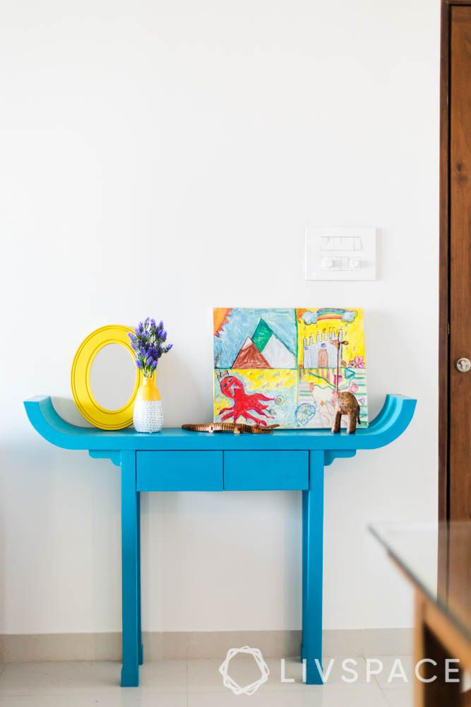 home decorating ideas on a budget-tables-art-frames