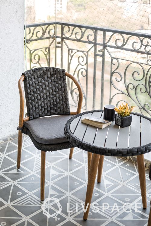 balcony furniture ideas-coffee table-pattern tiles-chair designs