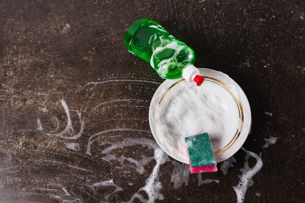 How to clean kitchen cabinets-dish soap
