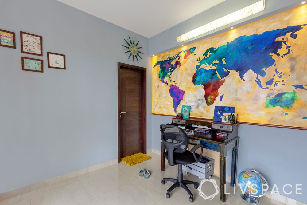 kids-bedroom-world-map-on-wall