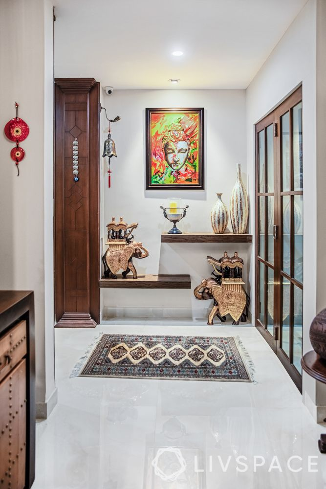 how to choose artwork for your home-wooden sculpture