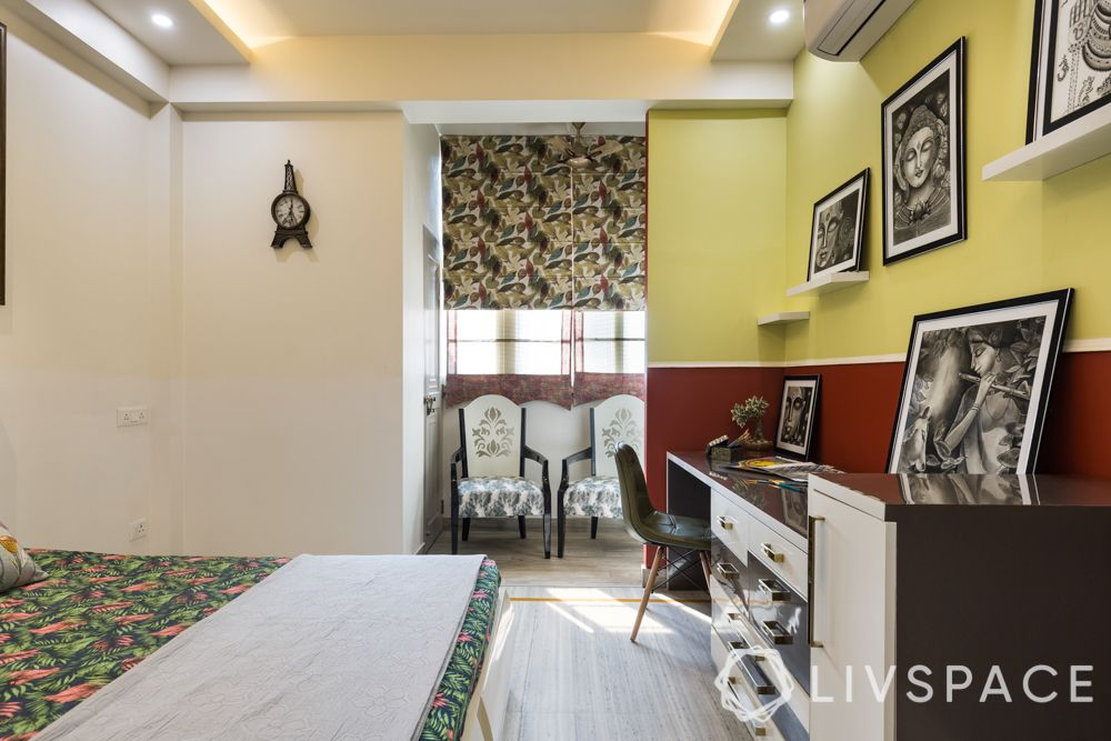 4-bhk-in-dwarka-guest-bedroom-study-table