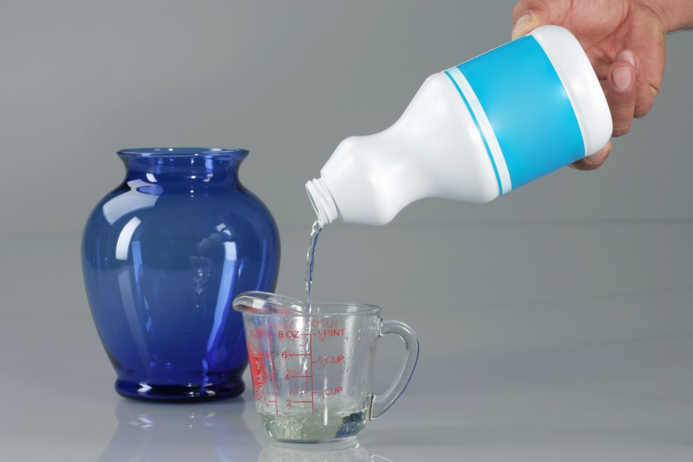 how to kill coronavirus germs-bleach cleaning-disinfectant-cleaning solution