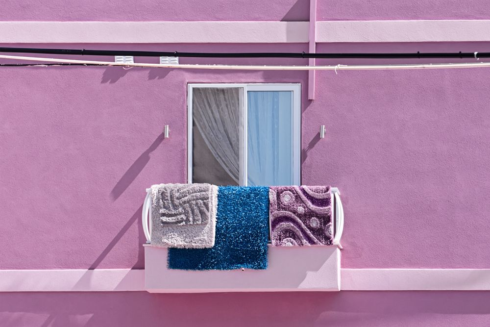 how-to-clean-carpet-balcony-sun-drying-carpets