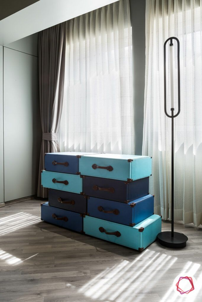 bedroom seating ideas-blue bench for bedroom