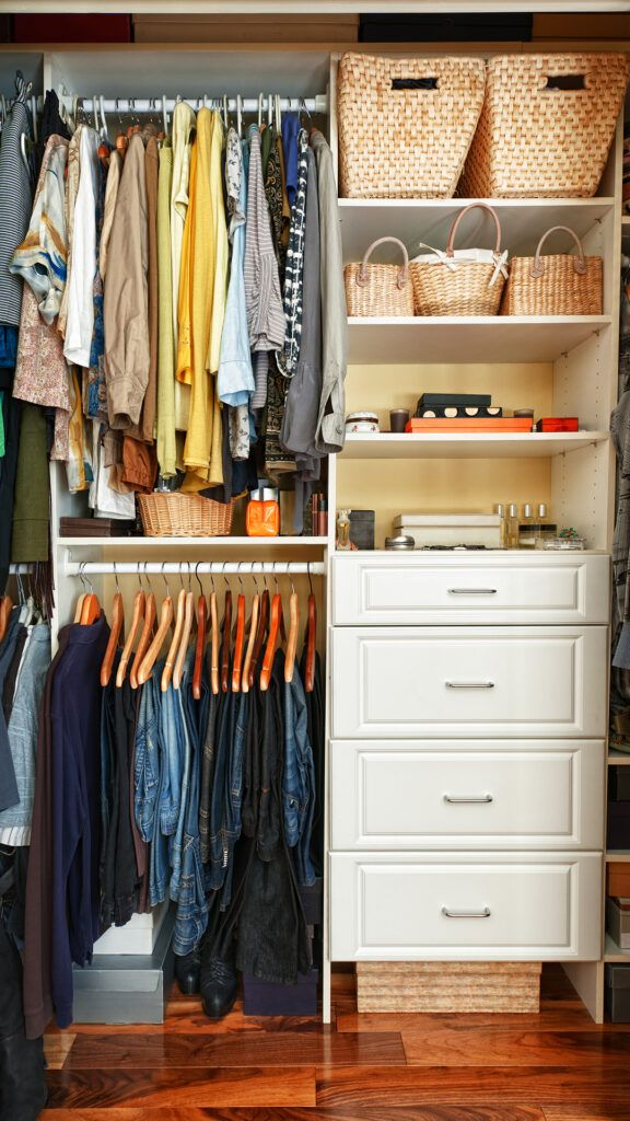 wardrobe-clothes-baskets-drawers-compartments