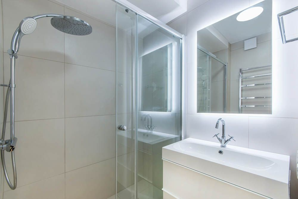 selecting-right-temperature-light-bathroom